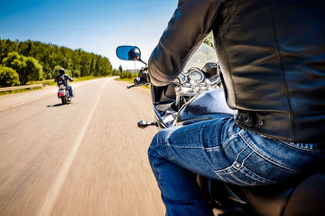 motorcyclists01_480-1