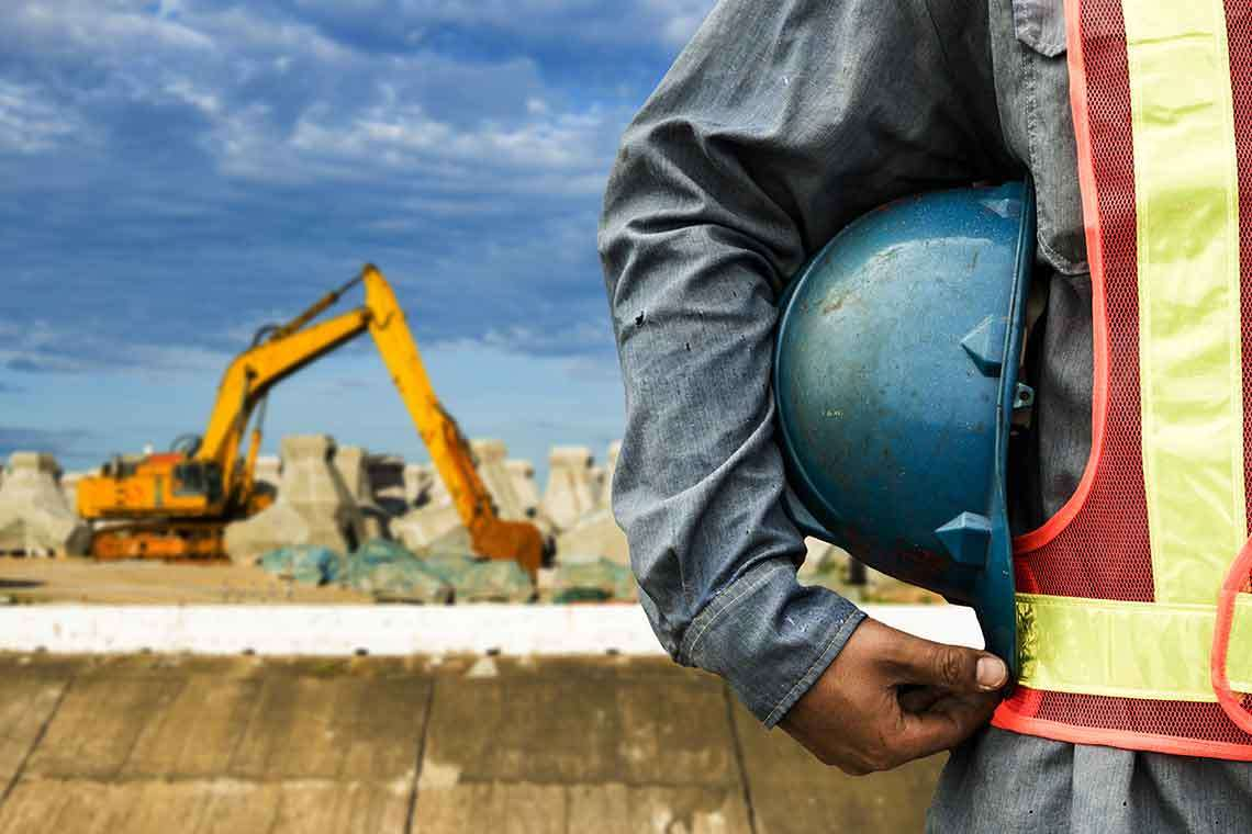 work-safety-at-construction-site-photo