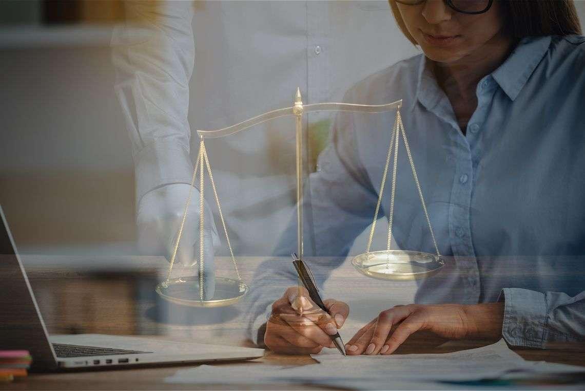 mandatory-arbitration-agreement-photo